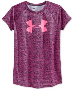 Lightweight, stretchy and designed with a super-fun print, this Under Armour logo T-shirt is a sports-day essential. Under Armour Logo, Under Armour Shoes, Workout Attire, Workout Wear, Sport Chic, Reebok, Urban Outfitters, Rc Autos, Yoga Pants Girls