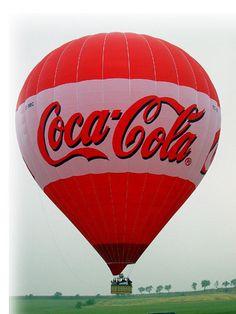 Love me some Coca-Cola! Air Ballon, Hot Air Balloon, Santas Vintage, Always Coca Cola, World Of Coca Cola, Balloon Flights, Big Balloons, Pepsi Cola, Balloon Rides