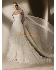2013 Romantische Brautkleider aus Satin und Tüll mit Schleppe