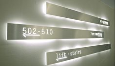 stripe---range-of-metal-or-plexiglass-signs-with-cut-out-lettering.-led-technology-03.jpg 1 715×1 000 pikseliä
