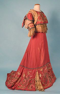 Wool Reception Gown c. 1904  Session 2 - Lot 383 - $375 Whitaker Auction