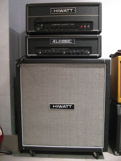 Hiwatt Custom 100 and Alembic amps, Hiwatt cab Guitar Rig, Guitar Picks, Cool Guitar, Bass Amps, Custom Guitars, Vintage Guitars, Musical Instruments, Drums, Happiness