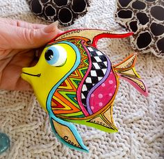 Talavera pottery tropical Fish wall art in Mexico folk art Rock Crafts, Clay Crafts, Arts And Crafts, Fish Wall Art, Fish Art, Clay Fish, Paper Mache Animals, Talavera Pottery, Madhubani Art