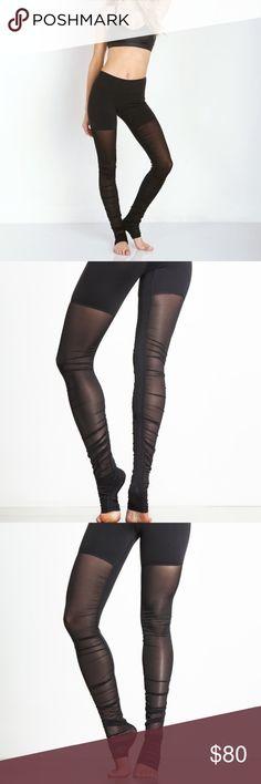 Alo yoga goddess leggings Amazing condition and mesh all the way down the leg so sexy ALO Yoga Pants