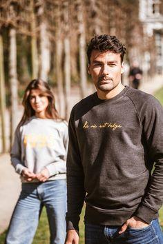Sweatshirt gris anthracite, Couleur inscription disponible dans d'autres colorus Grey Sweatshirt, Mens Sweatshirts, Dark Grey, Classic, Budget, Life, Color, Men's Sweaters, Derby