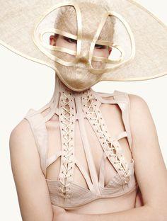 Li Edelkoort - Fetishism in Fashion Nudisme
