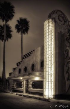 Abandoned Art Deco Building, Morro Bay, California