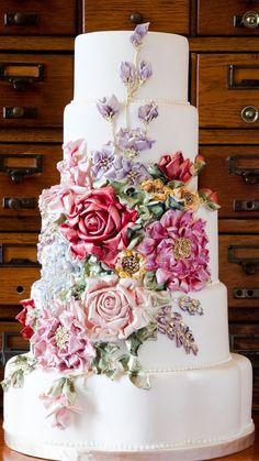 Royal Wedding Cake | Vintage and  Royal wedding cake ideas