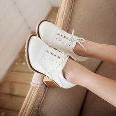 Shoes Galore - Lace-Up Pumps
