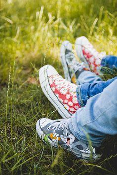 #photographie #photography #seanceengagement #engagementsession #couple #love #nature Chuck Taylor Sneakers, Chuck Taylors, Couple, Engagement, Nature, Shoes, Fashion, Photography, Moda