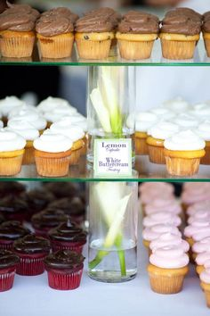 My DIY Cupcake tower! Vases as columns and table top glass btw to make a tower tea party Cupcake Tower Stand, Cupcake Towers, Wedding Cake Stands, Wedding Tables, Cupcake Recipes, Cupcake Ideas, Dessert Tray, Diy Cake, Wedding Desserts