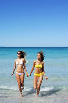 Rosapois Mare summer 2016 Photographer: Settimio Benedusi #benedusi #rosapois #rosapoismare #beachwear #solid #solidcolor #strass #sparkling #bikini #gorgeous