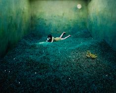 Korean Artist Jee Young Lee transforms her small studio into dreamlike worlds without photoshop