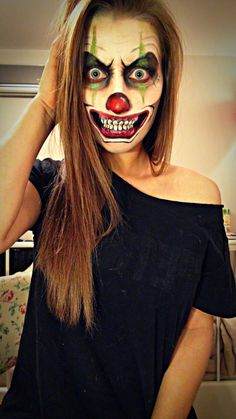 Super scary Halloween make-up: crazy clown. Learn to attend the TeenEvent Fantasy Make-up Event: htt Scary Clown Makeup, Scary Clowns, Halloween Makeup Looks, Scary Clown Costume, Ghost Makeup, Halloween Costume Makeup, Joker Clown, Clown Mask, Special Effects Makeup