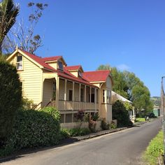Kohukohu, Hokianga Harbour Cabin, Mansions, House Styles, Home Decor, Decoration Home, Manor Houses, Room Decor, Cabins, Villas