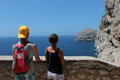 Es gibt keinen Grund, warum eine Italienreise mit Teenagern keinen Spaß machen sollte. Da die Jugendlichen die gleichen mentalen und physischen Fähigkeiten wie Erwachsene haben, können sie sogar ideale #Reisebegleiter sein. Eltern und Kinder können viel Spaß miteinander haben, wenn sie ihre gegenseitigen Interessen und Vorlieben respektieren.
