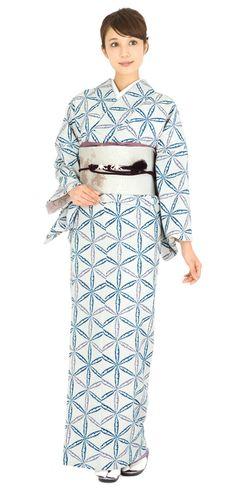きものやまとオンラインショップ きもの遊び.net | 洗えるプレタきもの Yukata Kimono, Kimono Outfit, Kimono Fabric, Kimono Fashion, Japanese Costume, Japanese Kimono, Traditional Kimono, Traditional Dresses, Costumes Japan