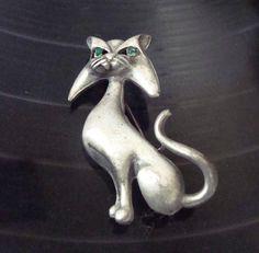 Broche Vintage étain chat aux yeux verts de Pierre