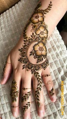 Explore Best Mehendi Designs and share with your friends. It's simple Mehendi Designs which can be easy to use. Find more Mehndi Designs , Simple Mehendi Designs, Pakistani Mehendi Designs, Arabic Mehendi Designs here. Easy Mehndi Designs, Henna Hand Designs, Dulhan Mehndi Designs, Bridal Mehndi Designs, Mehndi Designs Finger, Khafif Mehndi Design, Latest Arabic Mehndi Designs, Henna Tattoo Designs Simple, Mehndi Designs 2018