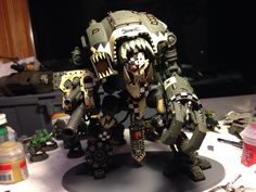 "Warhammer :: fan community / beautiful pictures and arts, SIFCO, ""Ork looted imperial knight"", interesting articles on the subject. Warhammer 40k Figures, Warhammer Models, Warhammer 40k Miniatures, Warhammer Fantasy, Warhammer 40000, Stand Up Comedy, Lego Chevalier, Tabletop, Orks 40k"