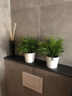 Badkamer tegels grijs betonlook Jos new beton Dream Bathrooms, Inspiration, Sweet Home, Toilet, White Bathroom, Bathroom Design