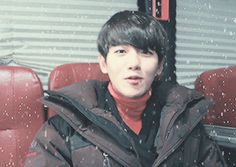 exo's kolon sports mv shooting 「antarctica vs new bantam」 - interview cut #baekhyun OMG i love his smile