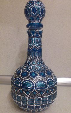 "Items similar to Decorative Bottle ""Arabian Nights"" on Etsy Painted Glass Bottles, Glass Bottle Crafts, Wine Bottle Art, Diy Bottle, Bottles And Jars, Pottery Painting Designs, Jar Art, Dot Art Painting, Creation Deco"