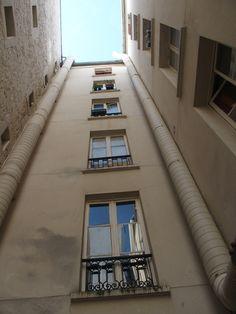 au fond d'un puits  [vendredi 22 aoû;t 2014 09:51, Paris XVI] | gilda_f