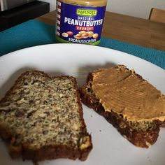Heute gibt es mal selbst gebackenes Lowcarb Brot mit #peanutbutter #goodmorning #gainz #goodlife #love #lowcarb #selfmade #handmade #happy #proud #gym #healthy #thankful #awesome #amazing #food #eat #eatclean #cleaneating #shot #foodgasm #foodporn #instagram #tbt #muscle #bodybuilding #lifestyle by michi86_official