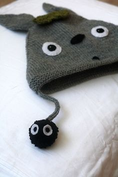 HAVE TO MAKE NOW!!!  Ravelry: no2108's Tonari no Totoro birthday hat