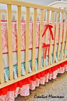 Going to try to make my own!Creative Mommas: Baby Bumper Crib Set Reveal & Tutorial - did it! Baby Crib Sets, Baby Crib Bumpers, Baby Bumper, Baby Cribs, Sewing Crafts, Sewing Projects, Diy Projects, Sewing Ideas, Sewing Patterns
