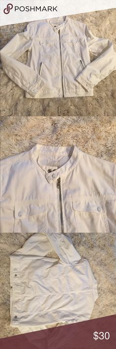 Diesel White Denim Zip Moto Jacket VINTAGE! This vintage white diesel Moto jacket will never go out of style. Wear it this summer with your favorite outfits to keep warm on those chilly nights! Diesel Jackets & Coats