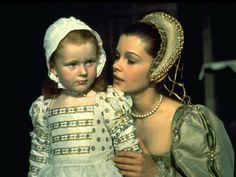 Scene in 'Anne of a Thousand Days' depicting Anne Boleyn & young Queen Elizabeth I