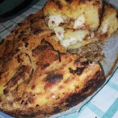 Sbriciolata di patate e salsiccia - Al.ta Cucina Sausage Pasta Bake, Mashed Potatoes, Spanish, Pizza, Island, Baking, Ethnic Recipes, Oven, Whipped Potatoes