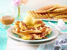 die 33 besten bilder von waffeln s herzhaft pancake finger foods und savory waffles. Black Bedroom Furniture Sets. Home Design Ideas