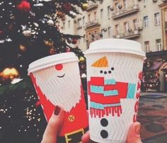 Image discovered by Olese. Find images and videos about winter, christmas and coffee on We Heart It - the app to get lost in what you love. Christmas Time Is Here, Christmas Mood, Merry Little Christmas, All Things Christmas, Winter Things, Christmas Bedroom, Christmas Poster, Christmas Coffee, Christmas Drinks