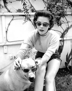 The Pet Blog: Natalie Wood and friend