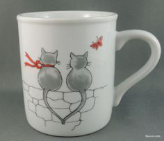Toscany Coffee Mug Cat Fight Wall Sitting Love Holding Tails Butterfly 8oz Japan