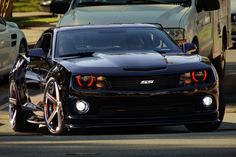 johnny-escobar:    I'm not a huge Camaro SS fan, but this one I can live with :)  Image via Ted