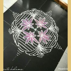 Indian Rangoli, Kolam Rangoli, Simple Rangoli, Rangoli Designs With Dots, Beautiful Rangoli Designs, Kolam Designs, Shibori, Projects To Try, Bangles
