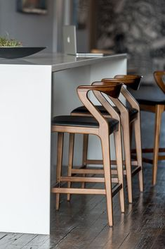Breakfast Bar Chairs Counter Stools Islands 28 Ideas For 2019 Island Chairs, Stools For Kitchen Island, Kitchen Chairs, Home Decor Kitchen, Room Chairs, Lounge Chairs, Dining Chairs, Office Chairs, Modern Counter Stools