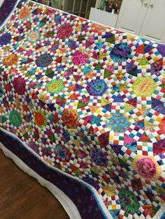 Isnt this fabulous! and even better its a raffle fundraising quilt by the Cut-Ups, a Houston based Quilting bee.