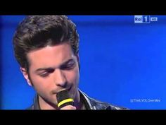 Gianluca Ginoble  CAN'T HELP FALLING IN LOVE downright sneaky, how he keeps pointing and smiling at the camera. wow, what a voice.