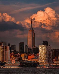 new york travel art Travel Photography – travel outfit summer City Aesthetic, Travel Aesthetic, Photography New York, Travel Photography, City Vibe, New York Photos, Upstate New York, Dream City, Jolie Photo