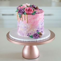 Buttercream Cake Decorating, Buttercream Flowers, Bolos Naked Cake, Kreative Desserts, Gold Cake Stand, Hand Painted Cakes, Wedding Cake Stands, Wedding Cakes, Salty Cake
