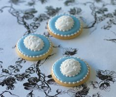 Buy the De Agostini collections online and find out more about our De Agostini products Cameo Cookies, Cameo Cake, Paint Cookies, Tea Cookies, Fancy Cookies, Cupcake Cookies, Sugar Cookies, Cake Decorating Tips, Cookie Decorating