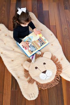 Cozy up with this quilted animal play mat. DIY step by step instructions!