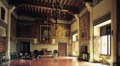 Crown Room in the Ducal Palace of Gandia Valencia, Black Castle, Entry Hall, St Francis, The Magicians, Castle Interiors, England, Dream Houses, House Styles