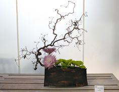 When I was going to move to Japan I fell in love with Ikebana. This one is awesome!
