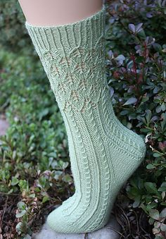 Ravelry: Banyan Tree Socks pattern by Debbie ONeill Free pattern